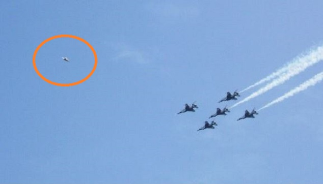 KENS AC UFO AIR SHOW PHOTO (2)CLOSE UP  EDITED