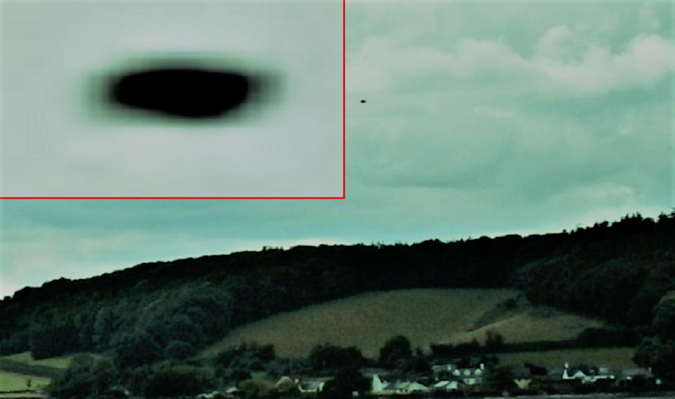 1-4-17 DAWLISH ENGLAND--JOHN MOONER UFOLOGIST AND PHOTOGRAPHER